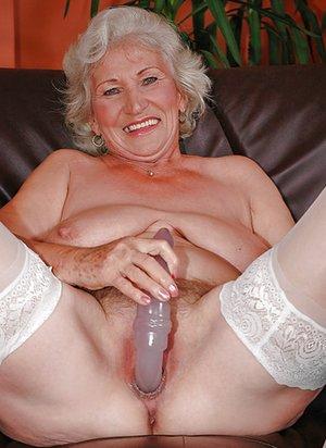 XXX Grandma Pictures