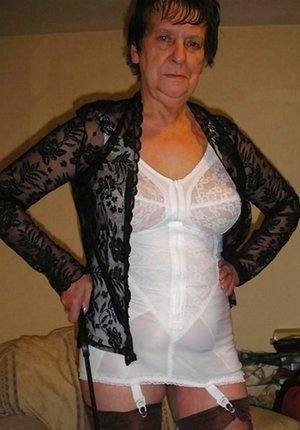 XXX Older Women Pictures